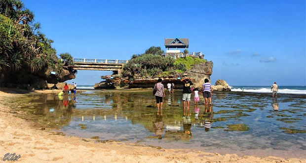 Pantai-Kukup