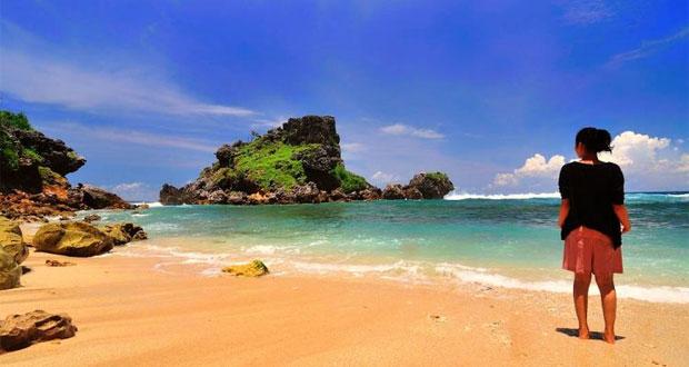 Tempat-Wisata-Di-Jogja-Terbaru-Pantai-Nglambor